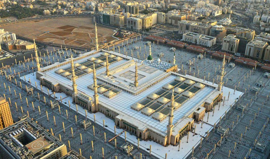 An aerial view of al-Masjid al-Nabawi and Jannatul Baqi